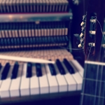 Playing the piano like a guitarist 1.